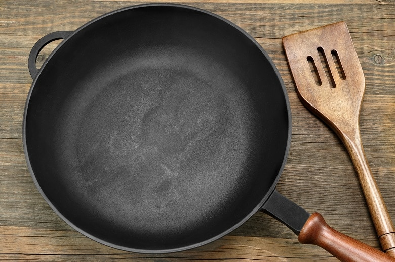 CLEANING A CAST IRON SKILLET OR PAN